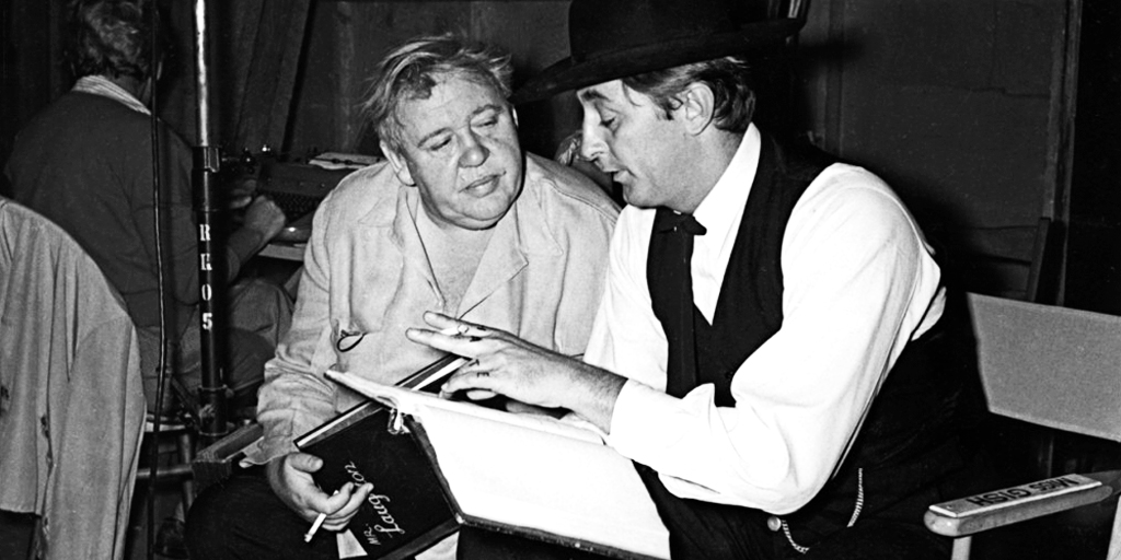 robert mitchum charles laughton